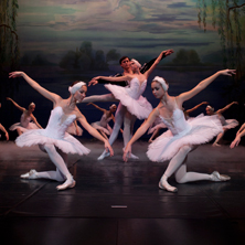 Schwanensee - Russische Staatl. Ballettakademie R. Nurejew